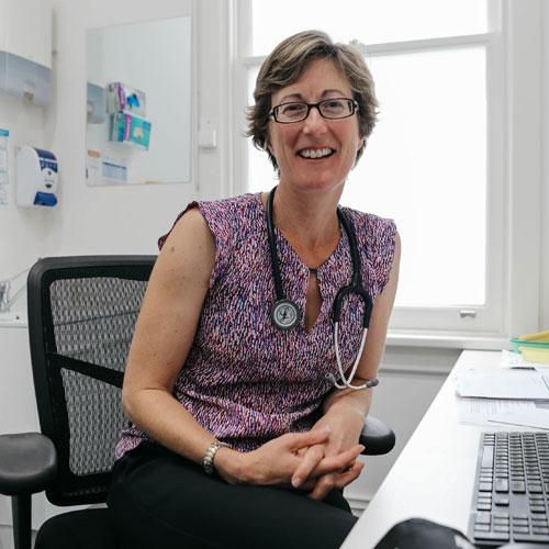 Dr Caroline King
